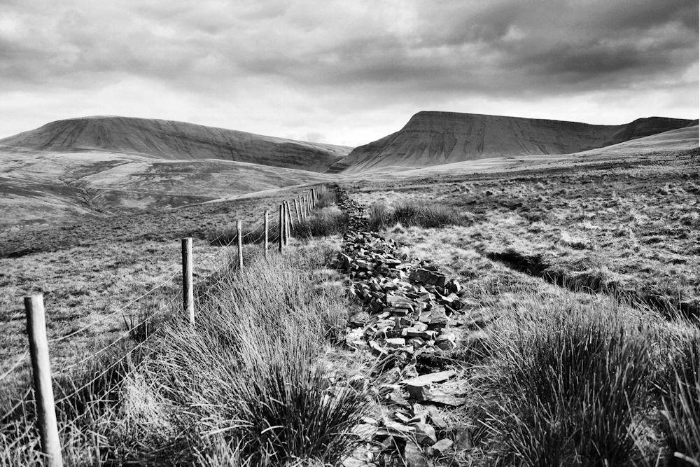 Llynyfan Fawr (black and white)